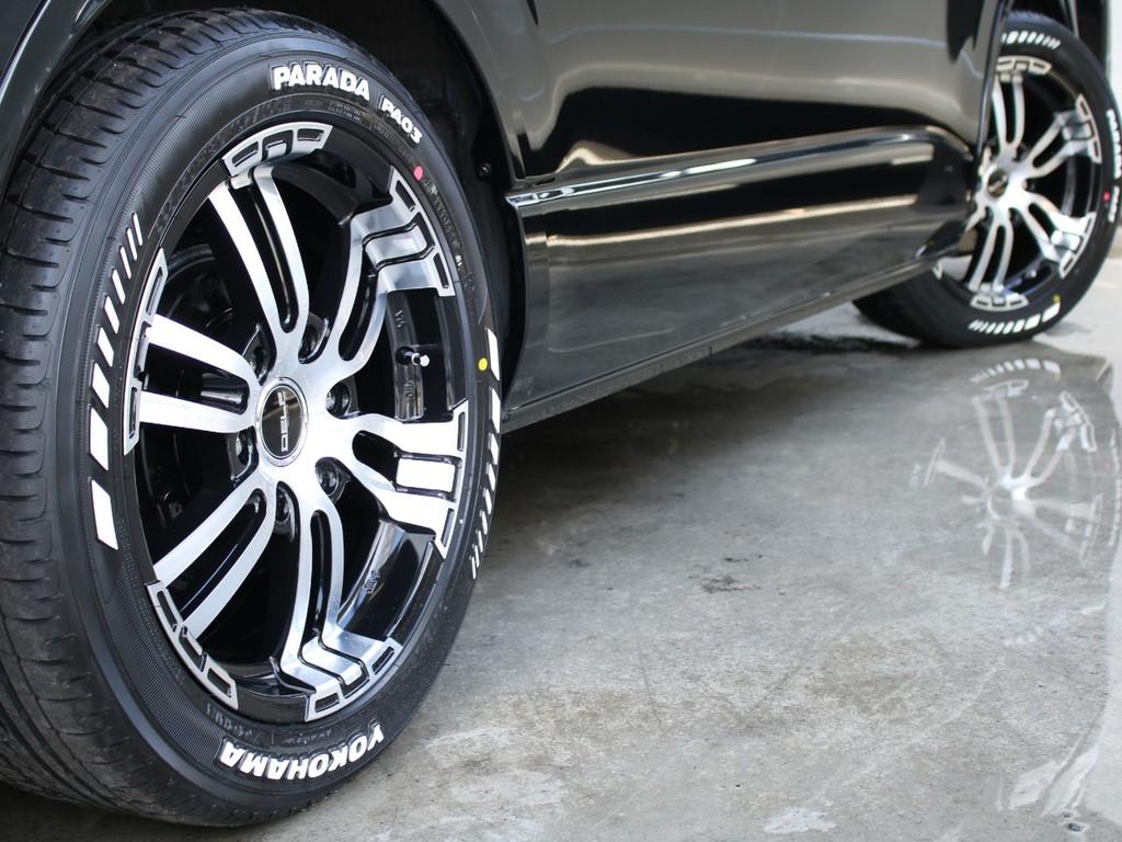 フレックスオリジナルのDelf02アルミホイール18インチと、PARADA18インチタイヤが装備されており、かっこいい足回りになっております。