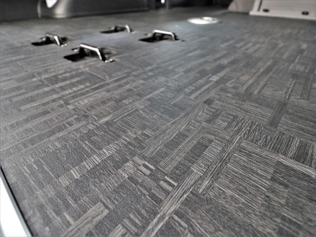 床張り施工済みで掃除もラクラクです!