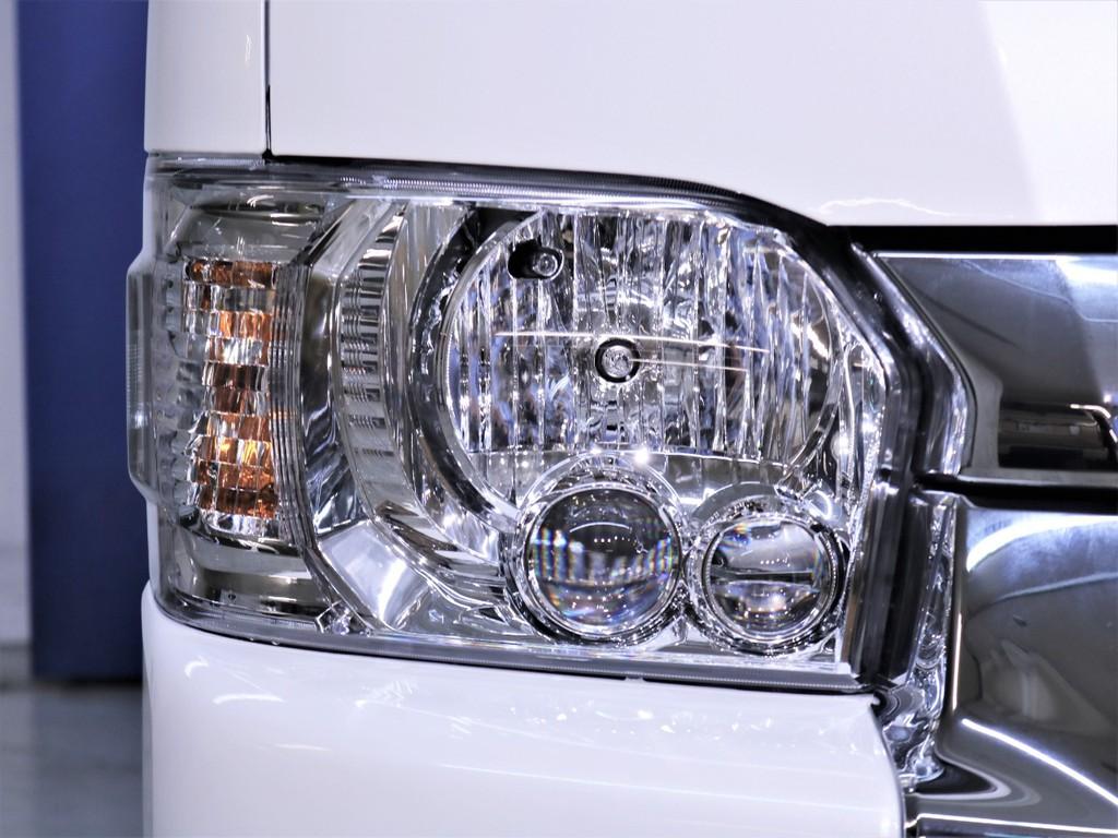 LEDヘッドランプなどメーカーオプションはフル装備です!
