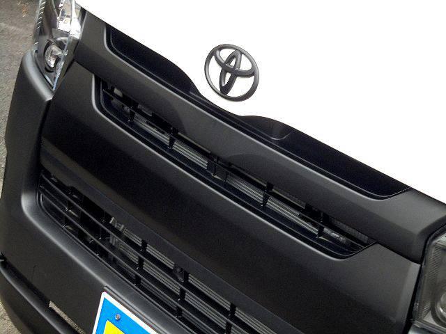 グリルのMB塗装! | トヨタ ハイエースバン 2.0 DX ロング スポーツPK@