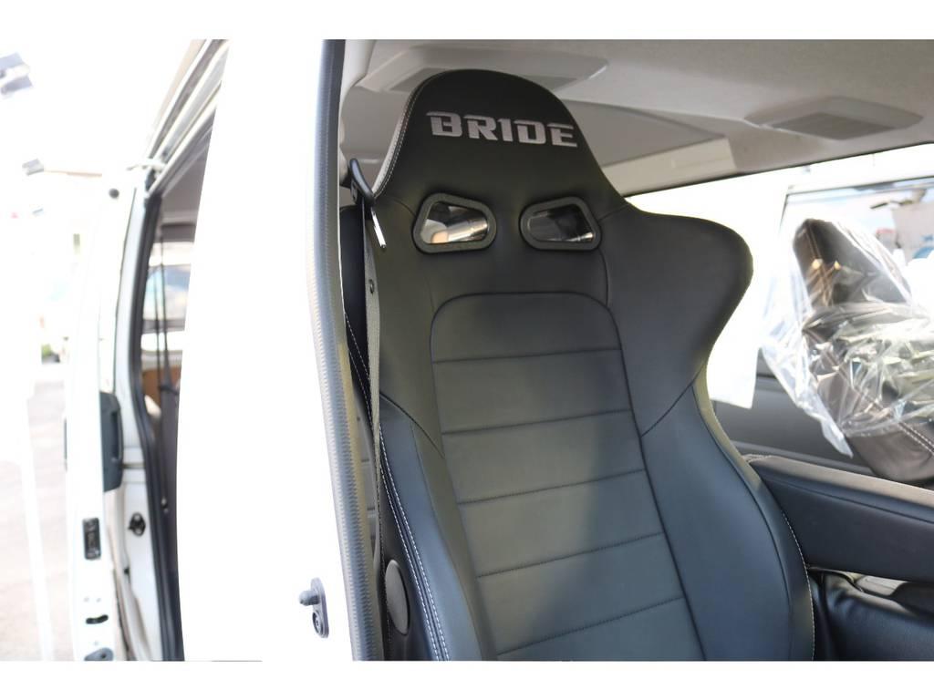 運転席なんと!BRIDEプロテインレザーシートを装着! | トヨタ ハイエースバン 2.0 DX ロング スポーツPK@