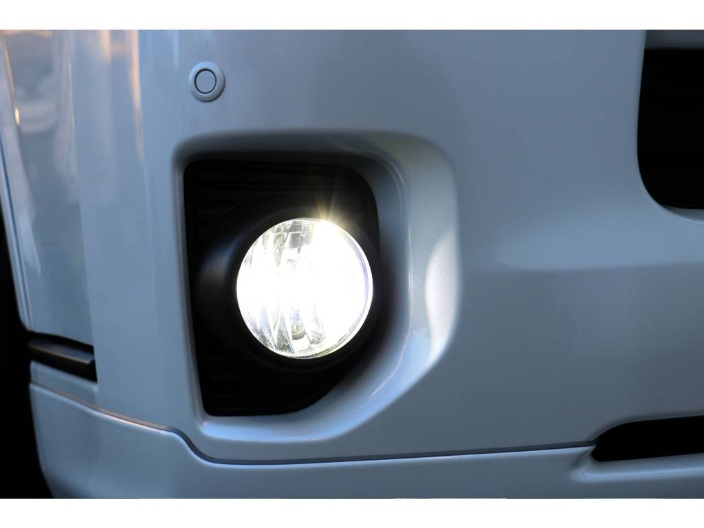 LEDフォグ! | トヨタ ハイエースバン 2.0 スーパーGL ダークプライム ロングボディ