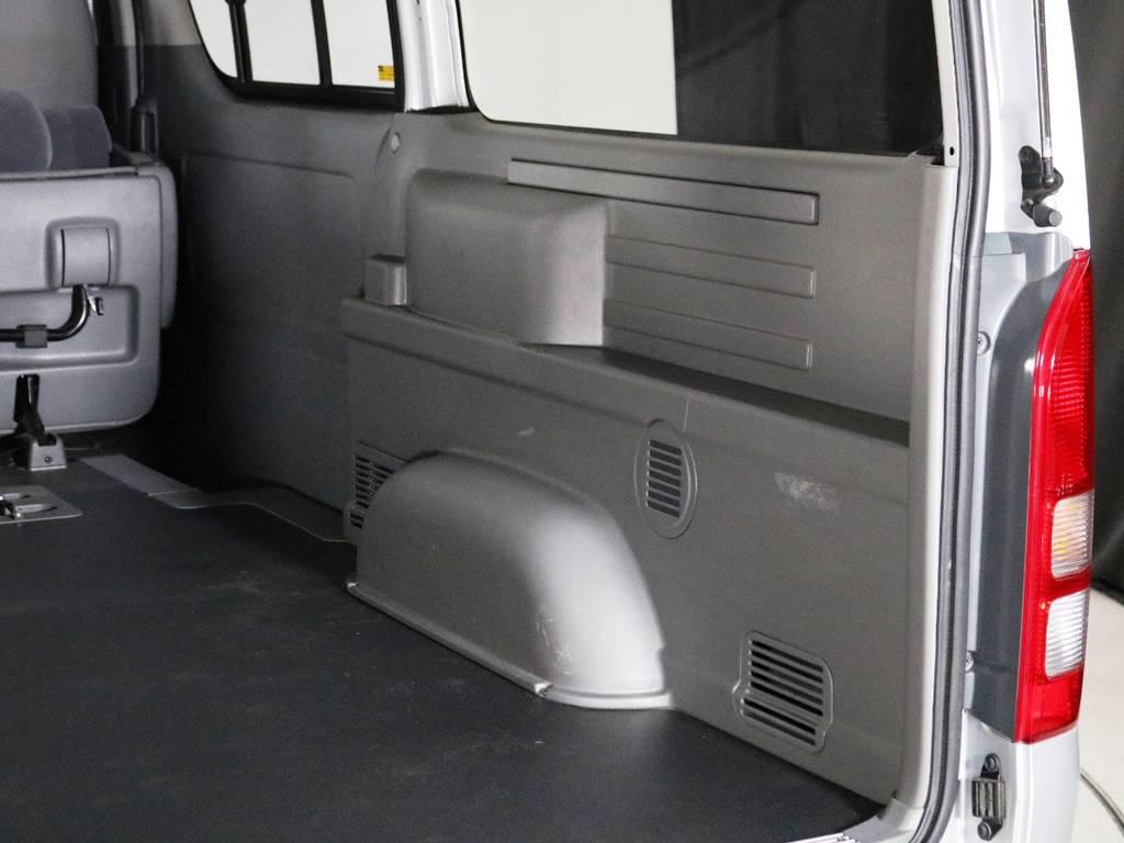 運転席側 荷室トリムの状態!傷も少なく綺麗な状態です♪