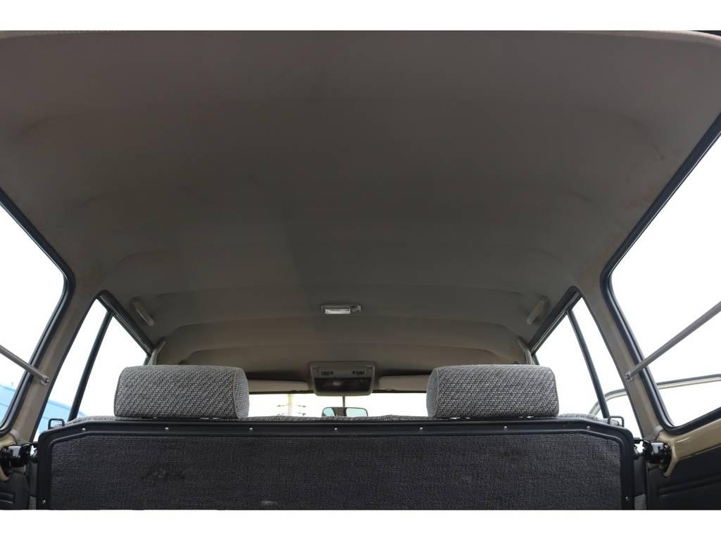 破れや垂れも無く天張りの状態もグッド! | トヨタ ランドクルーザー60 4.0 GX 4WD ガソリン車 集中ドアロック
