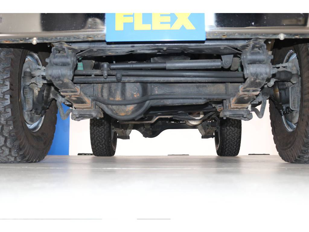 ご納車前にご希望がございましたら下回り防腐パスター仕上げ致します! | トヨタ ランドクルーザー60 4.0 GX 4WD ガソリン車 集中ドアロック