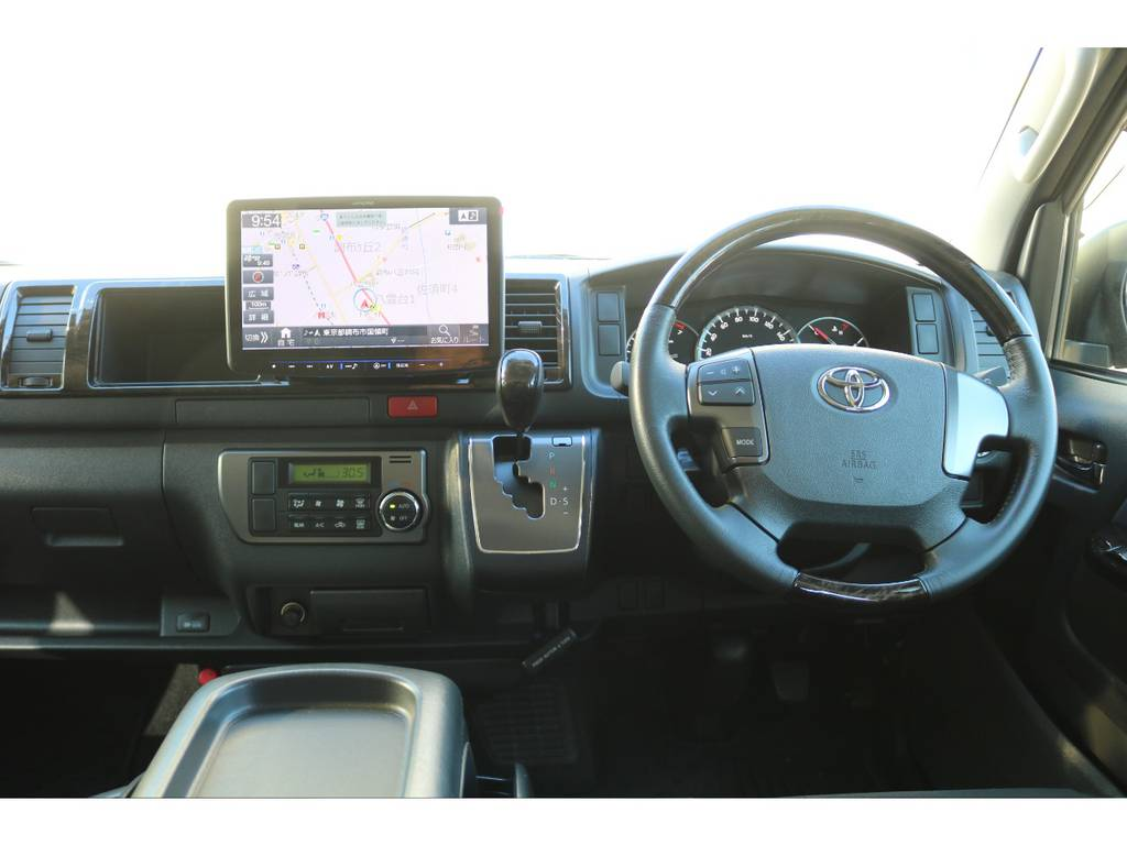 インテリアも綺麗に保たれております!   トヨタ レジアスエース 2.7 スーパーGL ワイド ミドルルーフ ロングボディ 4WD 買取直販4WDスタイル