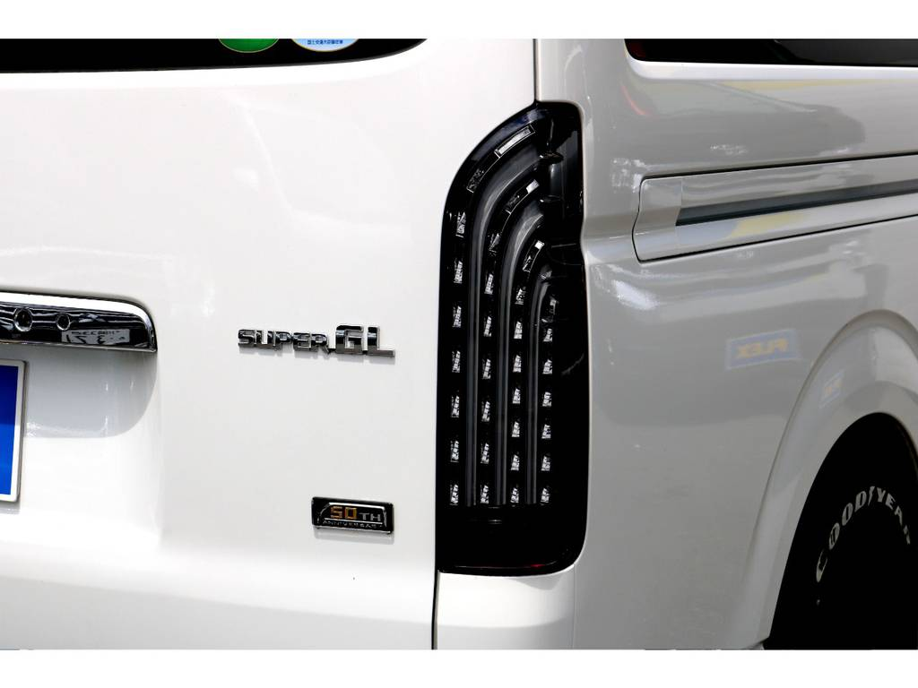FLEX煌LEDテール! | トヨタ ハイエースバン 2.8 スーパーGL ロング ディーゼルターボ 買取直販!現行50thワンオーナー車