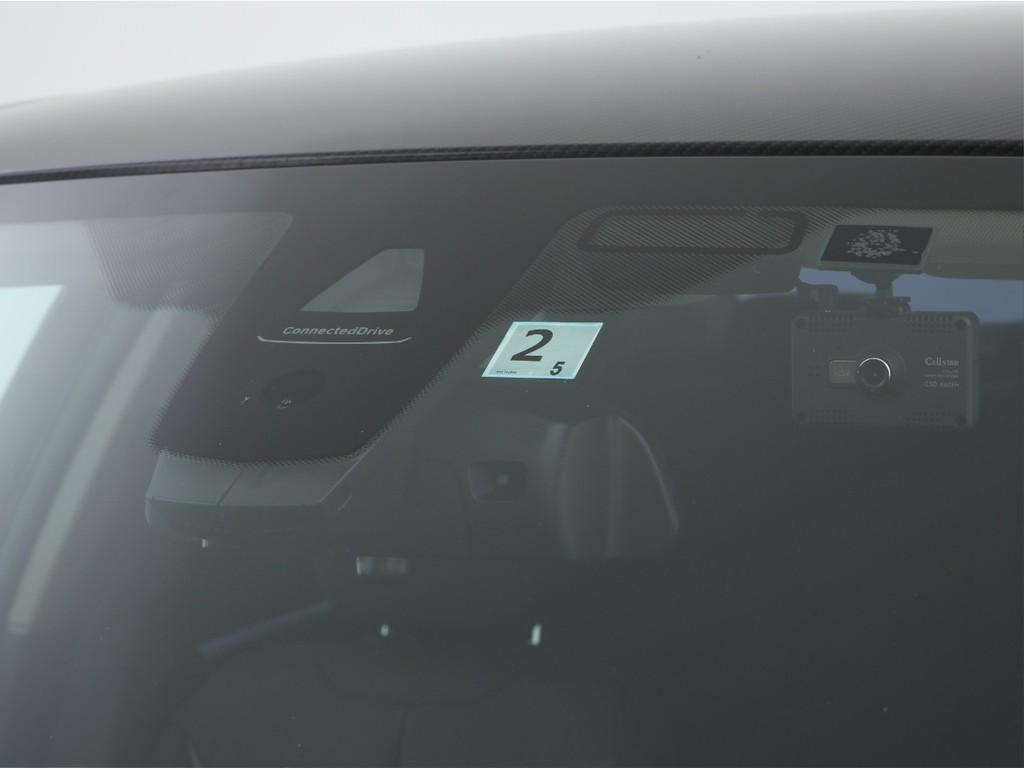 BMW純正の衝突被害軽減ブレーキ付き!先進の安全装備です!