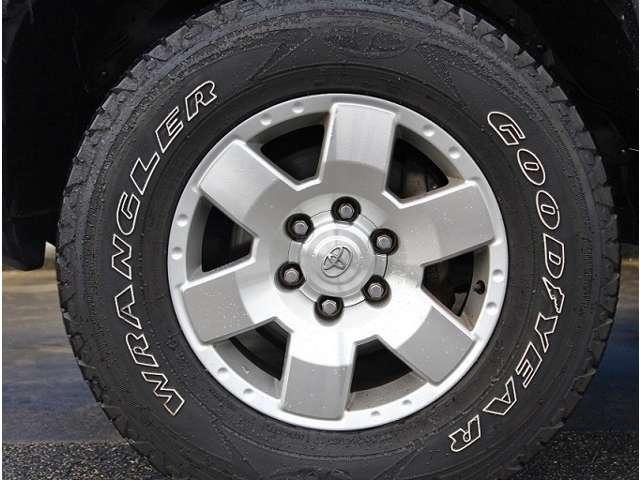 オフロード仕様タイヤも装備! | 米国トヨタ FJクルーザー  アップグレード2