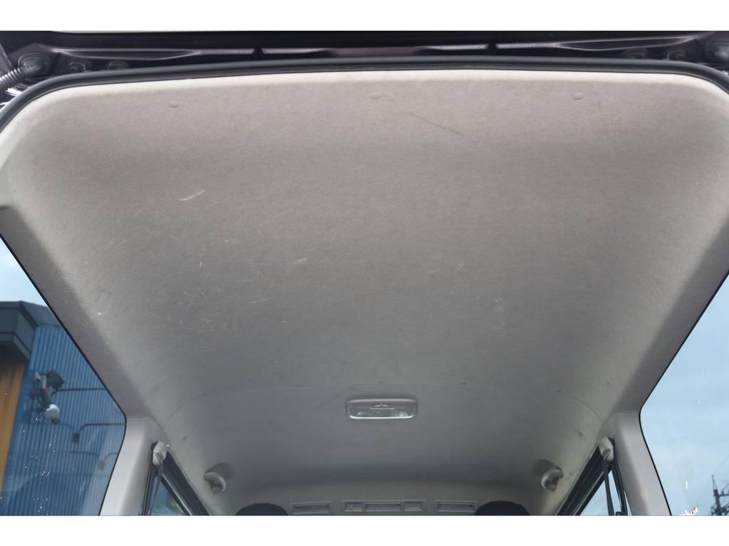 室内は綺麗ですよ♪ | トヨタ ハイエースバン 3.0 スーパーGL プライムセレクション ロング ディーゼルターボ 4WD ESSEXアルミホイール