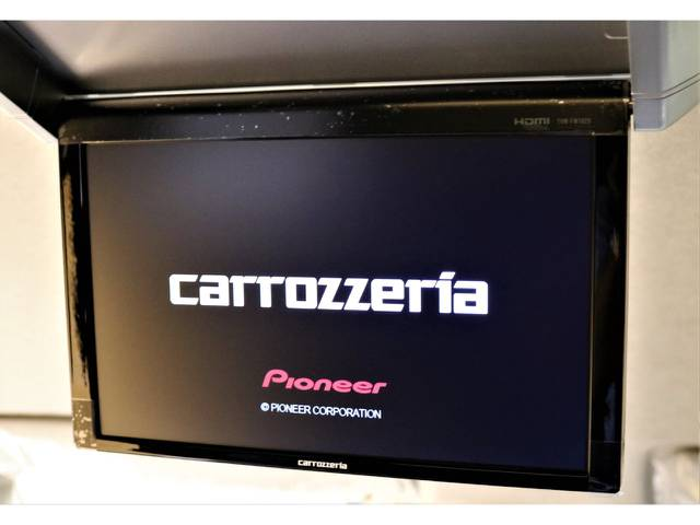 フリップダウンモニターもカロッツェリア♪ | トヨタ ハイエース 2.7 GL ロング ミドルルーフ 4WD トリプルモニターPKG