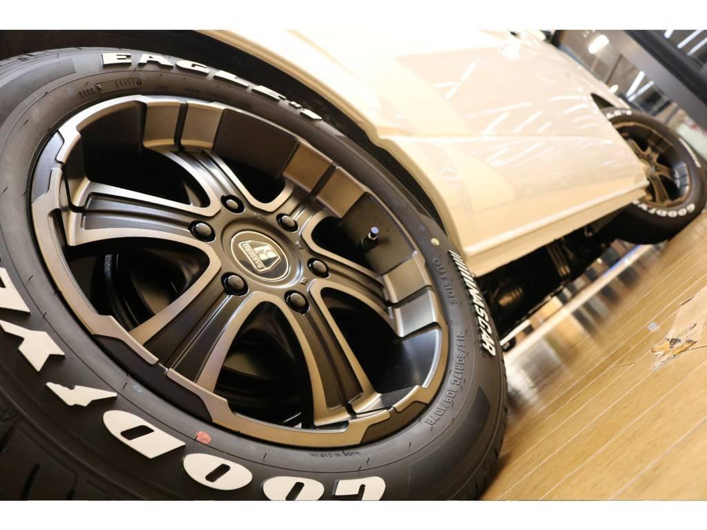 フレックスオリジナルカラーバルベロ17インチアルミホイールにナスカータイヤの組み合わせ♪ | トヨタ ハイエース 2.7 GL ロング ミドルルーフ 4WD トリプルモニターPKG