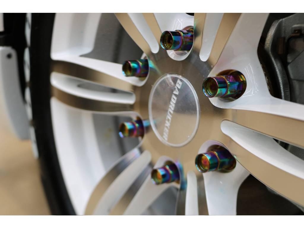 鍛造ナットも装着されております! | トヨタ ハイエースバン 2.8 スーパーGL 50TH アニバーサリー リミテッド ロングボディ ディーゼルターボ 4WD 415コブラフルエアロ
