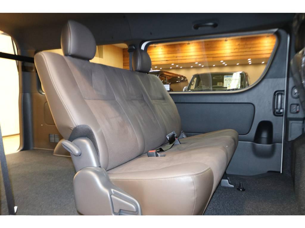 シートも50周年アニバーサリー車両ならではですよ♪ | トヨタ ハイエースバン 2.7 スーパーGL 50THアニバーサリー リミテッド ワイド ミドルルーフ ロングボディ4WD フレックスカスタム