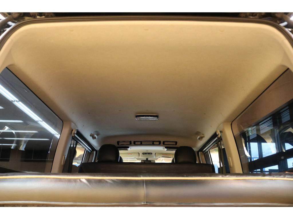 大変綺麗な室内空間ですよ♪ | トヨタ ハイエースバン 3.0 スーパーGL ロング ディーゼルターボ 4WD オリジナルフロントスポイラー装着