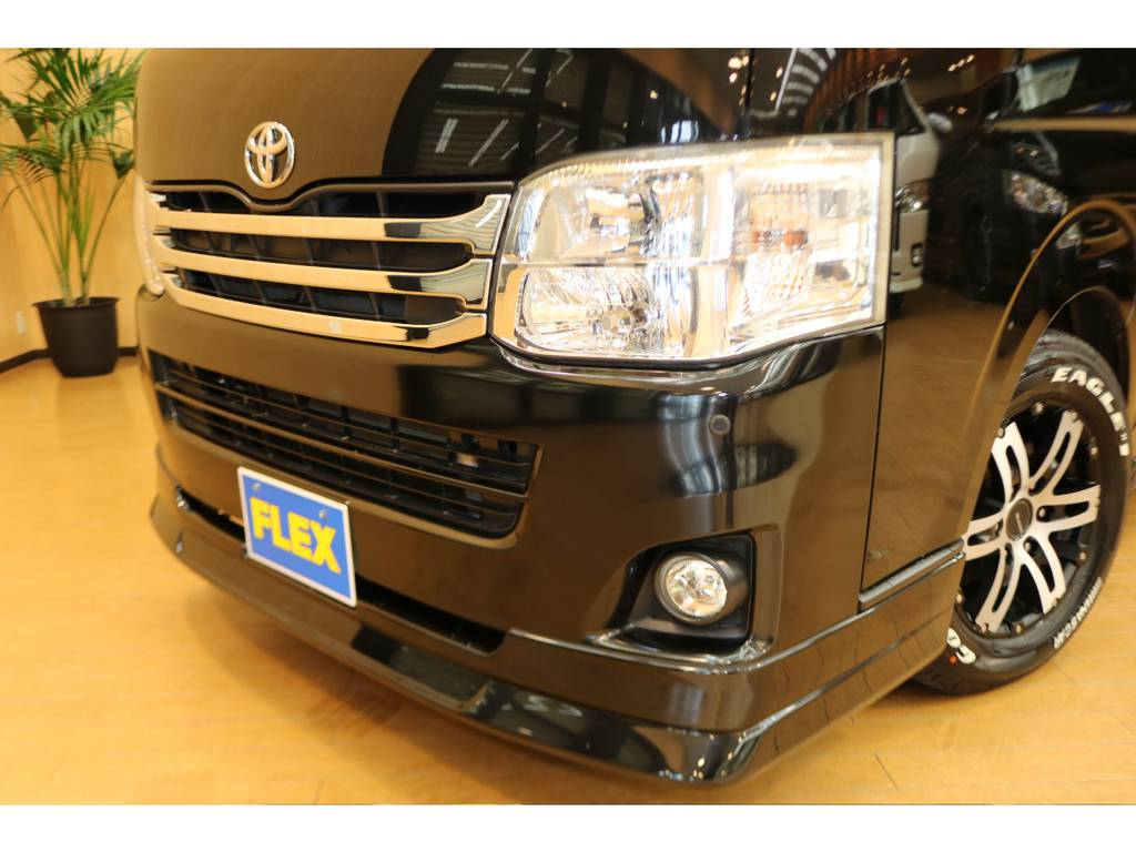 メーカーオプションのHIDヘッドランプです♪ | トヨタ ハイエースバン 3.0 スーパーGL ロング ディーゼルターボ 4WD オリジナルフロントスポイラー装着