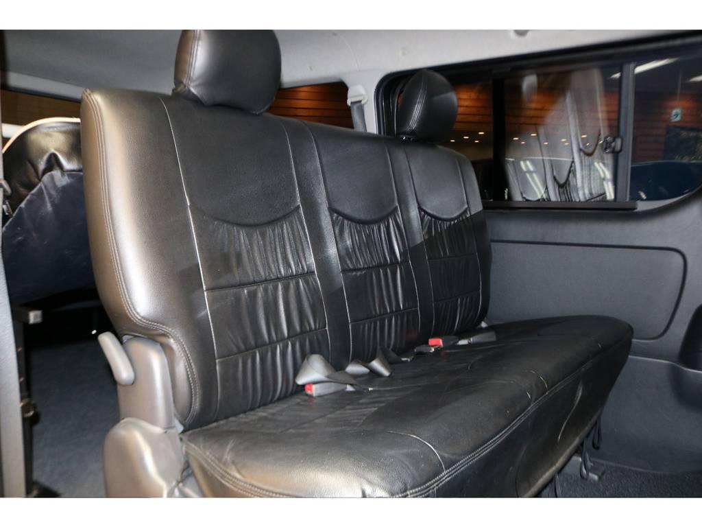 前席シートカバー装着されております! | トヨタ ハイエースバン 3.0 スーパーGL ロング ディーゼルターボ 4WD オリジナルフロントスポイラー装着