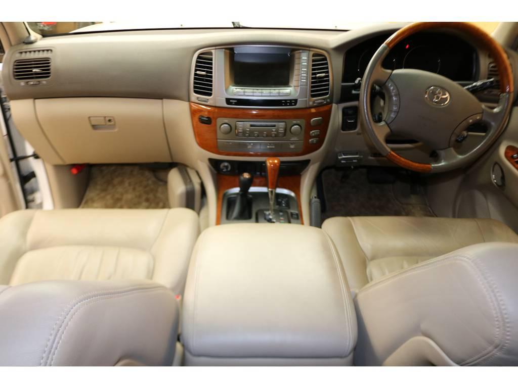 大変綺麗な室内ですよ♪ | トヨタ ランドクルーザーシグナス 4.7 4WD 下取り直販