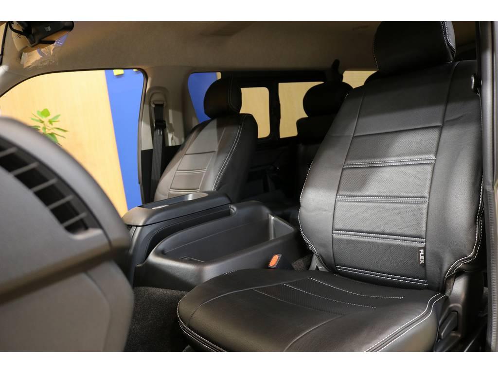 黒革調シートカバー装着で統一感のある車内に仕上がっております!!