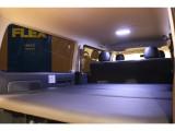 【新品ベッドキット】当社オリジナルベッドキットを新品にて取付★車中泊もお楽しみ頂けます★LEDルームランプ交換済★リアガラスフィルム施工済♪