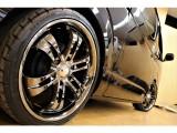 【アルミホイール】20インチアルミホイール&NITTOタイヤ装備済★安心の国内メーカータイヤ装着が嬉しいですね♪