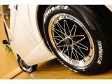 【タイヤ&ホイール】絶妙なツラ具合のタイヤ&ホイールは満足頂ける事間違いなし♪ステップリム&ピアスボルトが渋いです☆