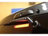 マイナーチェンジによりハイマウント部分にリアカメラが付き、ハイマウントは内側に収納されました!