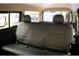 内装は5人乗り仕様です!新品シートカバーを装着しており良い座り心地となっております。