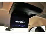 【後席モニター】アルパインフリップダウンモニター搭載!後席の方も快適な長距離ドライブをお楽しみいただけます★
