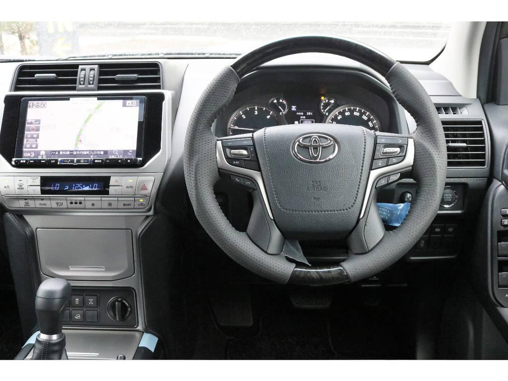 シルクブレイズ製マホガニーコンビハンドルを新品で装着して高級感を演出♪   トヨタ ランドクルーザープラド 2.8 TX ディーゼルターボ 4WD TRDフロントスポイラー