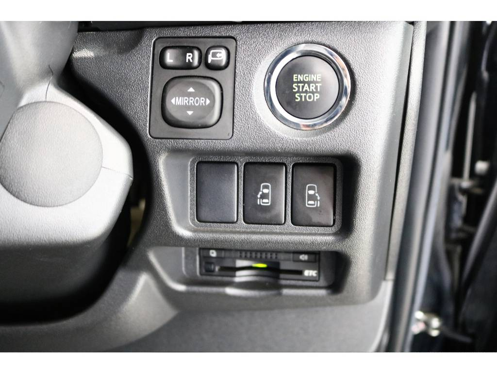 もちろんスマートキーを搭載しています♪メーカーオプションもパワースライドドアを搭載! | トヨタ ハイエースバン 3.0 スーパーGL ロング ディーゼルターボ 4WD