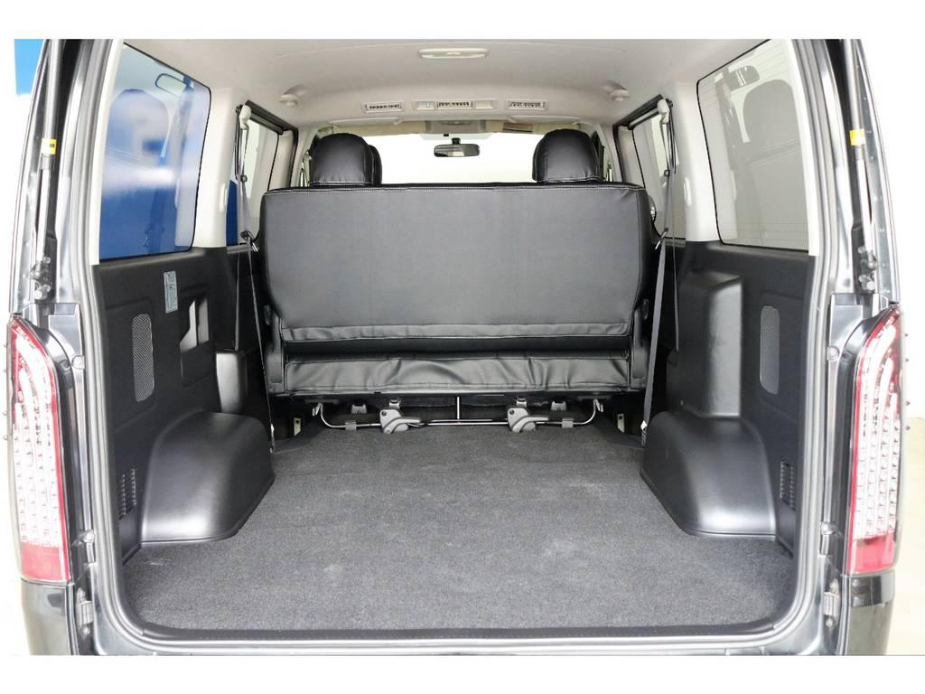 セカンドシートを出した状態でもこの広さ!アウトドアや趣味など使い方はあなたのアイディア次第です♪ | トヨタ ハイエースバン 3.0 スーパーGL ロング ディーゼルターボ 4WD