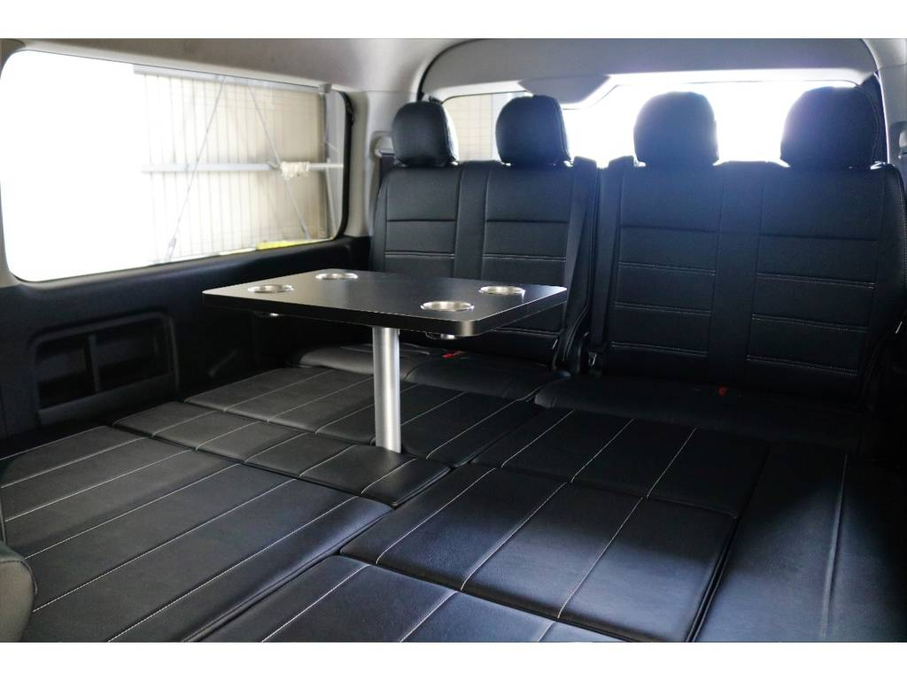 ベットバージョンにしてテーブルをセットした状態です!!!! | トヨタ ハイエース 2.7 GL ロング ミドルルーフ 4WD R1