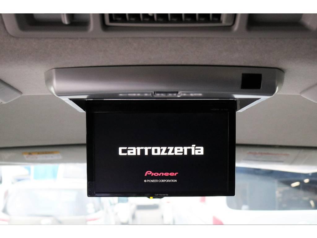 フリップダウンモニターも完備しておりますので、後席の方も退屈せずにお好みの映像をお楽しみいただけます! | トヨタ ハイエース 2.7 GL ロング ミドルルーフ 4WD TSS付