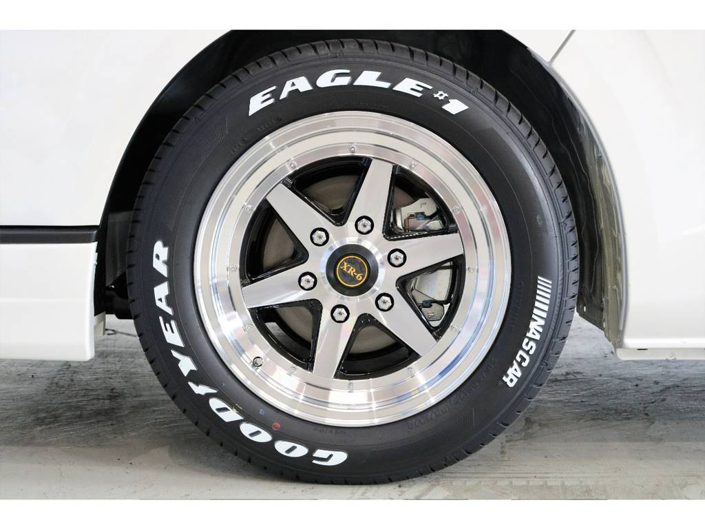 最近人気上昇中 XR-6 17インチアルミホイール&Goodyear EAGLE1 NASCARタイヤ!!!!   トヨタ ハイエースバン 2.0 スーパーGL ダークプライム ロングボディ PS無