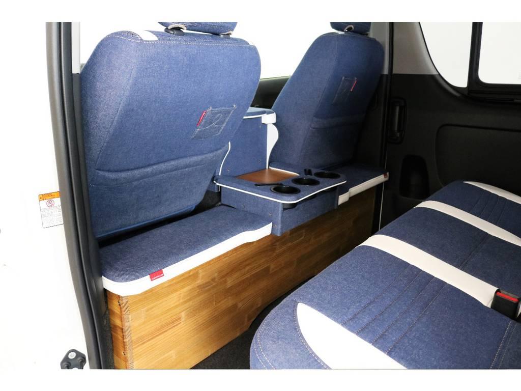 運転席シート後ろにドリンクホルダーも付いています!   トヨタ ハイエースバン 2.0 スーパーGL ダークプライム ロングボディ PS無