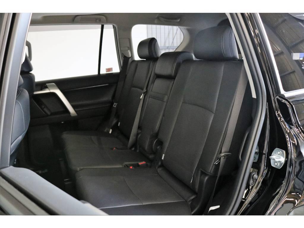 二列目ももちろん革シートでございます!!!!! | トヨタ ランドクルーザープラド 2.7 TX Lパッケージ 4WD 7人