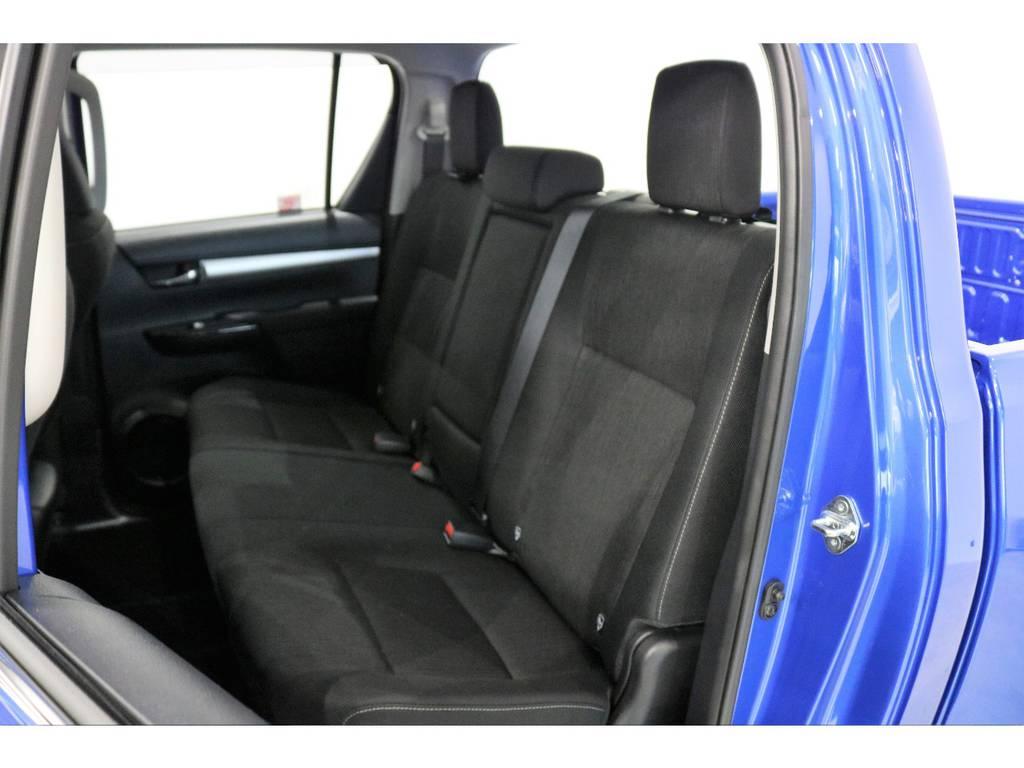 小さいお子様がいてもチャイルドシートも取り付け可能なリアシート!! | トヨタ ハイラックス 2.4 Z ディーゼルターボ 4WD Z