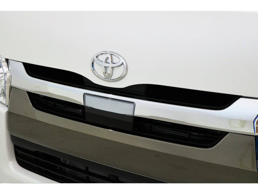 | トヨタ ハイエースバン 2.8 スーパーGL 50TH アニバーサリー リミテッド ロングボディ ディーゼルターボ 床張りベット