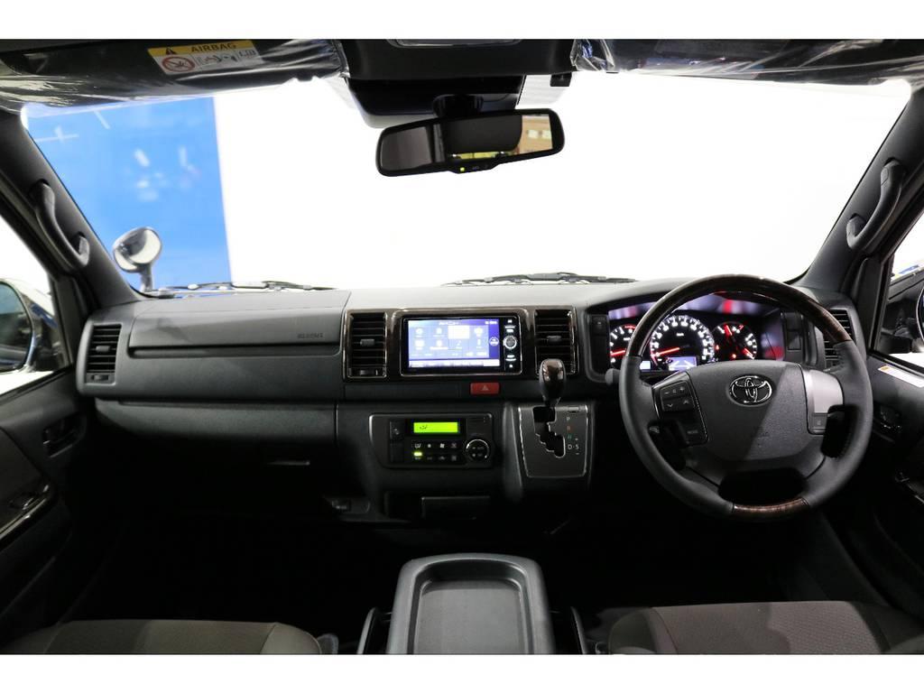 インテリアパネルも50TH専用パーツ茶木目マホガニー調パネルです!! | トヨタ ハイエースバン 2.8 スーパーGL 50TH アニバーサリー リミテッド ロングボディ ディーゼルターボ 4WD 50TH
