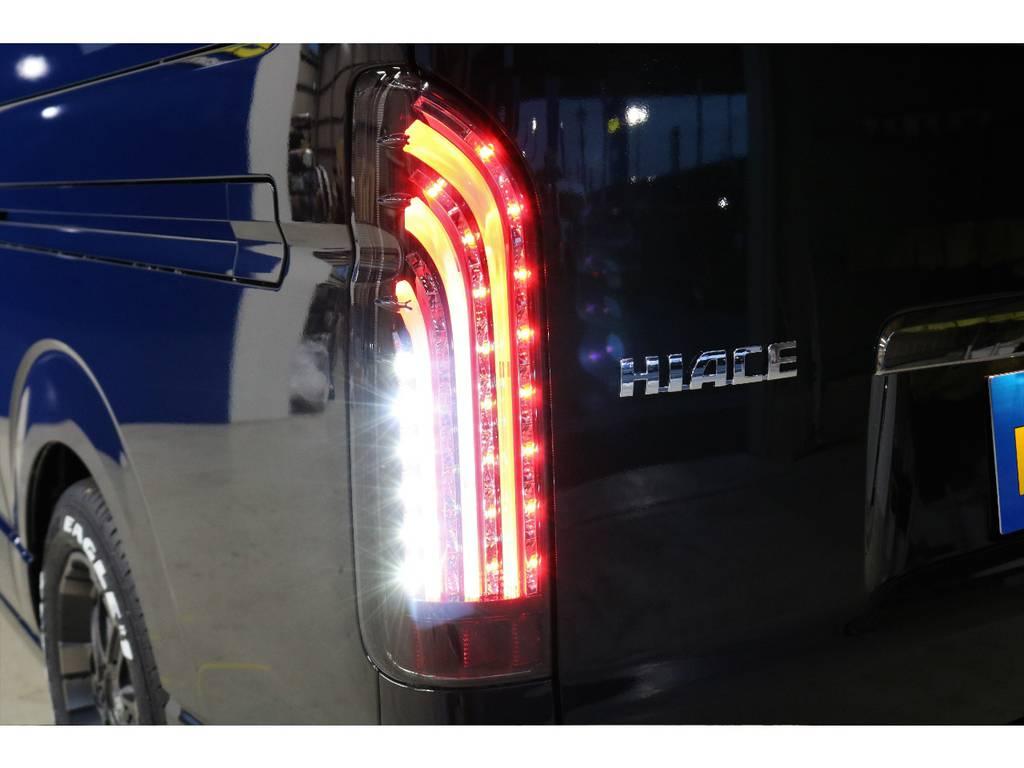 FLEXオリジナル煌きブラック LEDテール装着済み♪   トヨタ ハイエースバン 2.8 スーパーGL ダークプライムⅡ ロングボディ ディーゼルターボ PS無