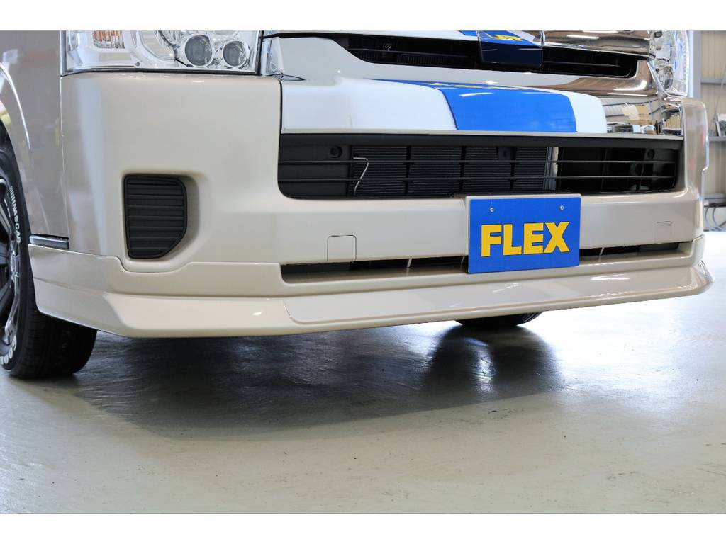 FLEXオリジナルフロントリップも同色に塗装しました!   トヨタ ハイエースバン 2.8 DX ワイド スーパーロング ハイルーフ GLパッケージ ディーゼルターボ 4WD TSST付Wエアコン