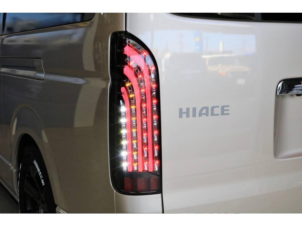FLEXオリジナル煌きBlackをインストール?   トヨタ ハイエースバン 2.8 DX ワイド スーパーロング ハイルーフ GLパッケージ ディーゼルターボ 4WD TSST付Wエアコン
