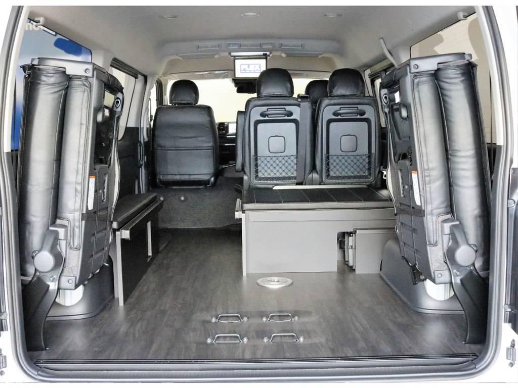 床張り施工済みなので重たい荷物や汚れたものでも傷つきにくく汚れが落ちやすいです!!!!!!   トヨタ ハイエース 2.7 GL ロング ミドルルーフ 4WD R1