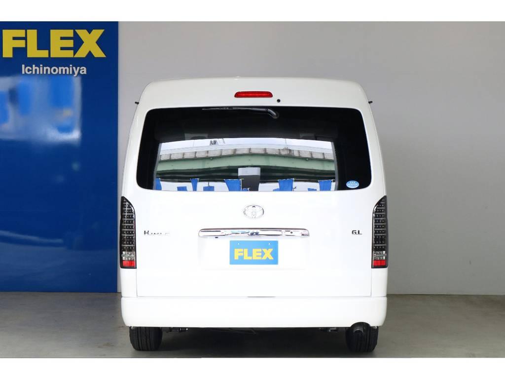 純正のバックカメラ搭載で駐車が苦手な方も安心です! | トヨタ ハイエース 2.7 GL ロング ミドルルーフ Vre1