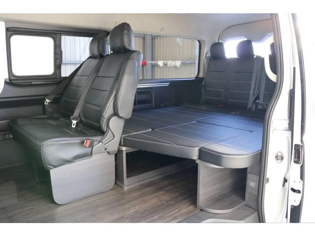 後部座席は後ろ向きに二人掛けシートで四列目と対面シートとなっております!!!!!!!!!! | トヨタ ハイエース 2.7 GL ロング ミドルルーフ Vre1