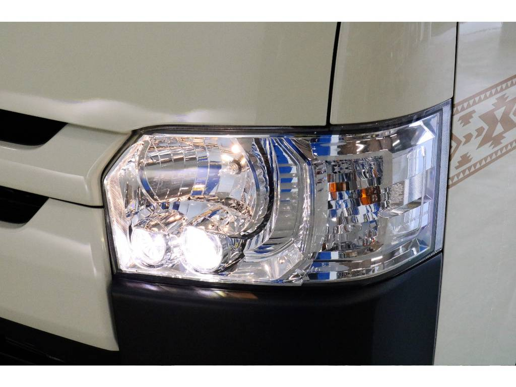 メーカーオプション:LEDヘッドライト装着済みなので夜間も明るく照らしてくれます!!!!!!!!!!! | トヨタ ハイエースバン 2.0 DX ロング お洒落なハイエースV