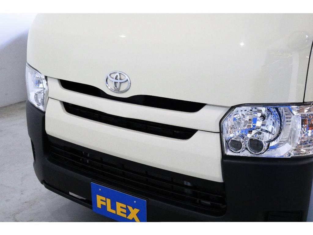 フロントグリルももちろん同色塗装済み!!! | トヨタ ハイエースバン 2.0 DX ロング お洒落なハイエースV