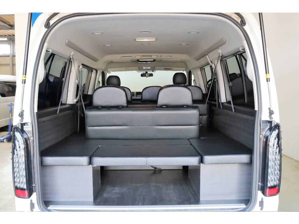 床はフローリングCF仕上げしてあるため汚れたまま乗車しても掃除はらくちんです! | トヨタ ハイエース 2.7 GL ロング ミドルルーフ