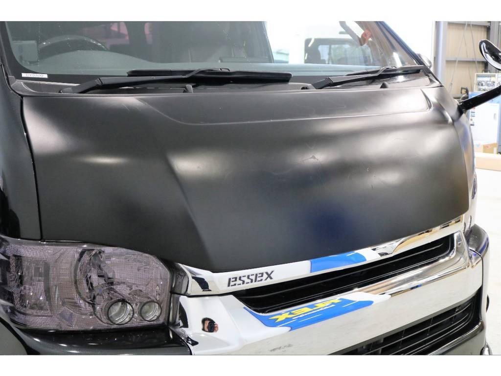 社外ボンネットはマッドブラック塗装!!! | トヨタ ハイエース 2.7 GL ロング ミドルルーフ